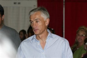 Jorge Ramos Univision news anchor